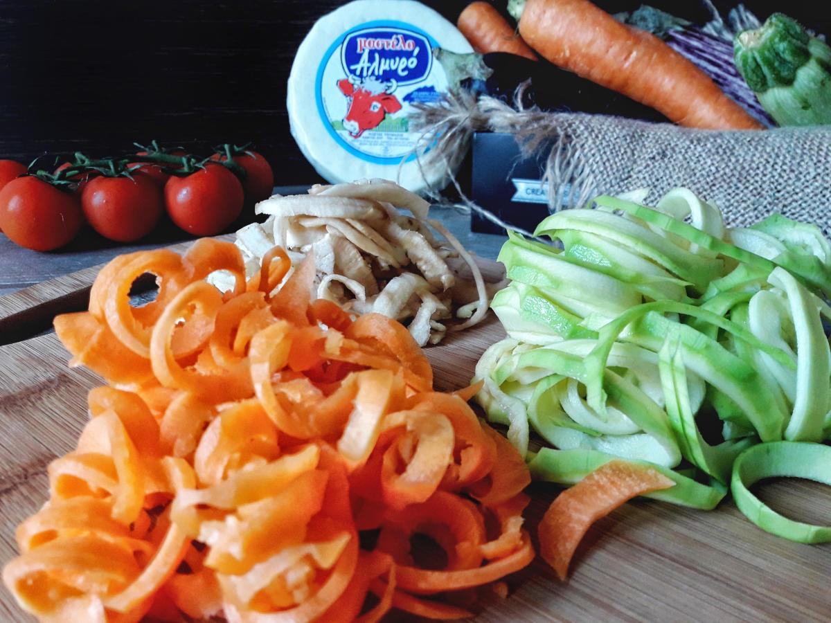 Pandora's Kitchen | Linguine λαχανικών με αλμυρό τυρί Μαστέλο 3