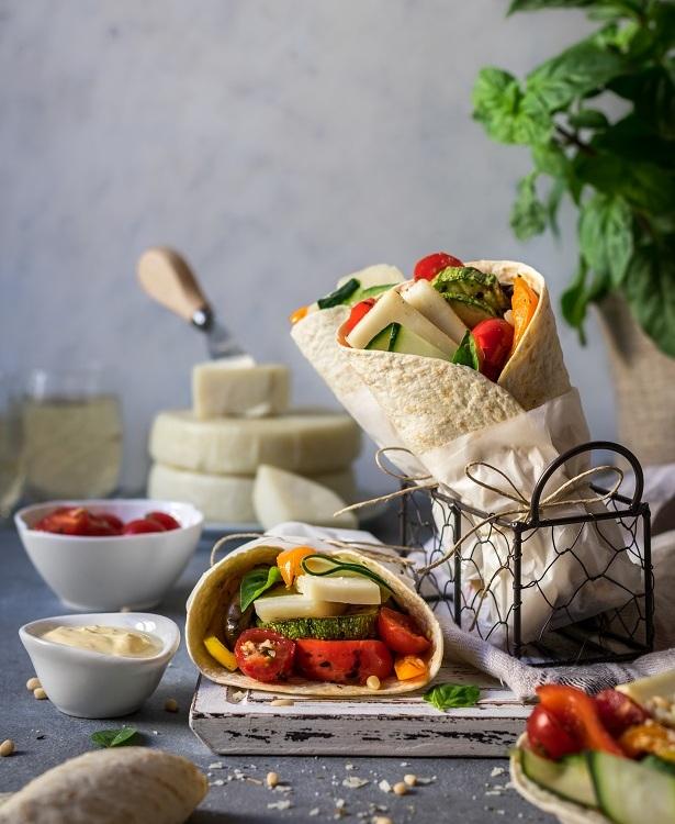 Τορτίγιες με ψητά λαχανικά & τυρί Κατσικάκι Μαστέλο® 1