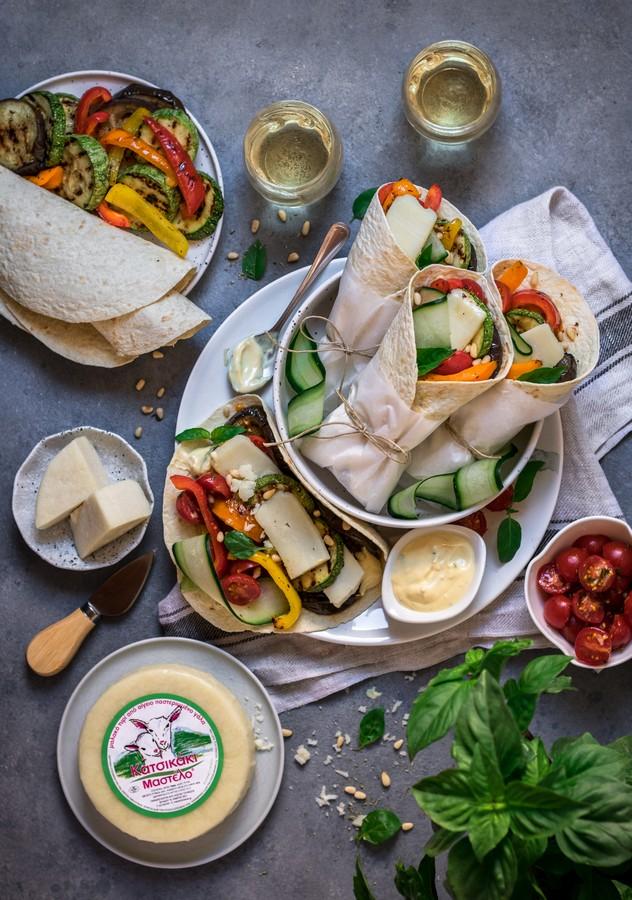 Τορτίγιες με ψητά λαχανικά & τυρί Κατσικάκι Μαστέλο® 2