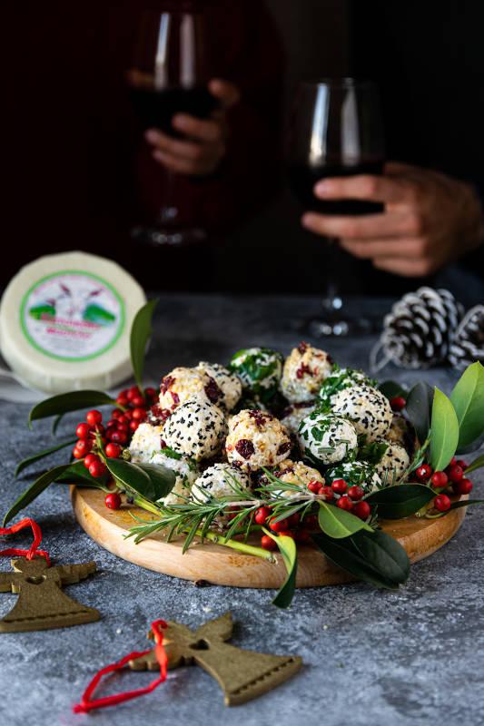 Γιορτινές μπαλίτσες τυριού με κατσικάκι Μαστέλο® 9